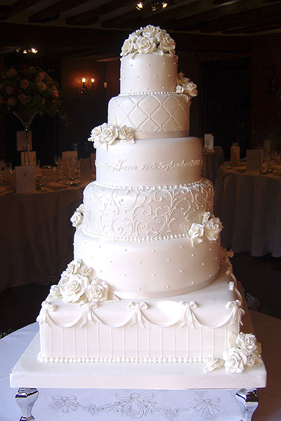 Vintage Wedding cake with sugar flowers